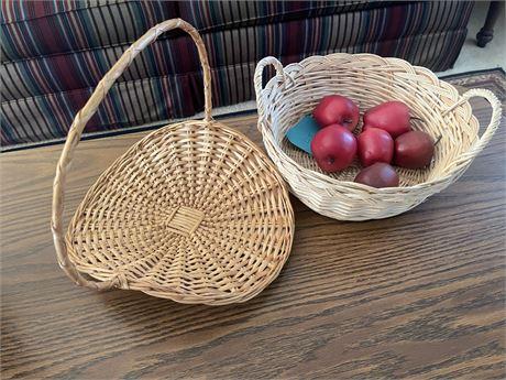 Gathering basket & basket w/ Artificial Apples