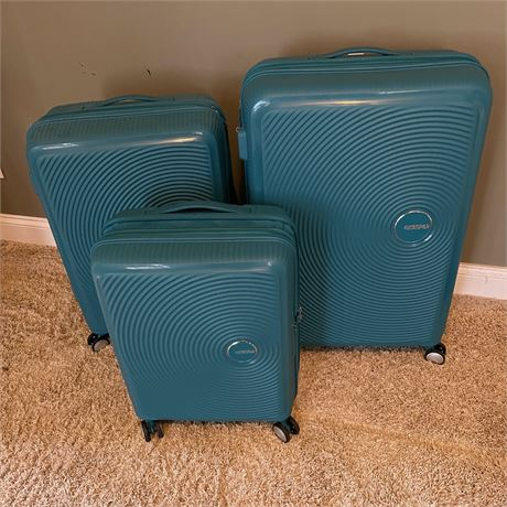 American Tourister Hard Case Travel Luggage