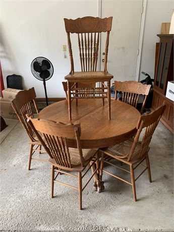 Antique Oak Table & 6 Pressed Back Chairs