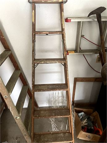 6ft Wooden Ladder