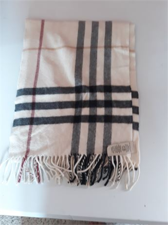 Burberry Plaid Scarf with Fringe Great Condition
