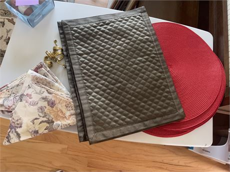 Placemats and napkins and  rings