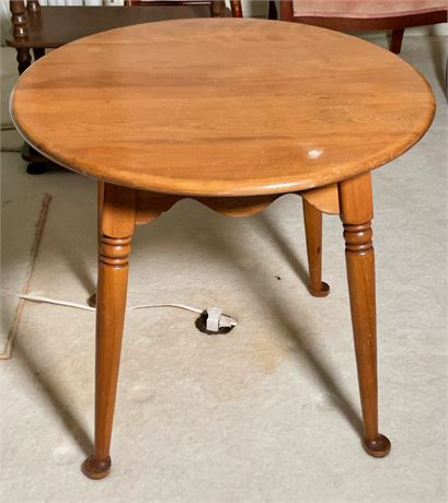 American Colonial Style Cherry Side Table
