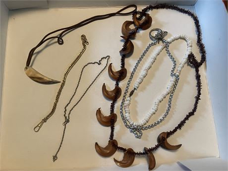 Jewelry Lot 2 Necklaces