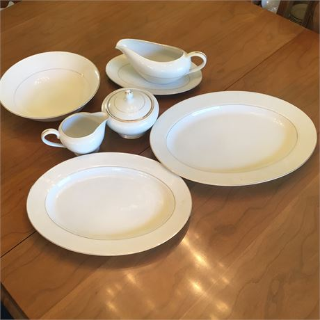 Touch of Gold DoM  Embassy Japanese China 8 Serving Pieces