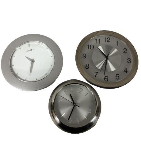 Lot of 3 Wall Clocks