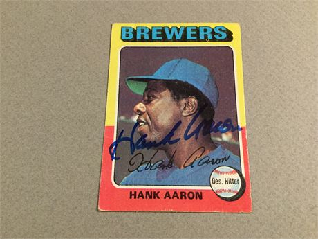 1975 Topps signed HANK AARON Card