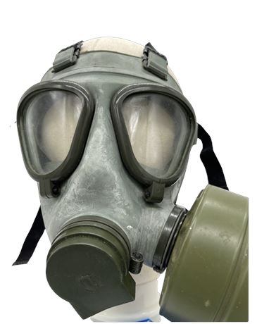 Military Gas Mask (w/ Canister)