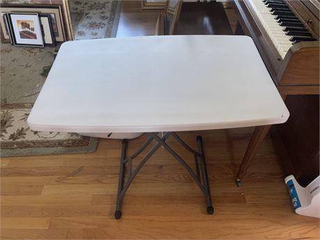 Nice Folding White table