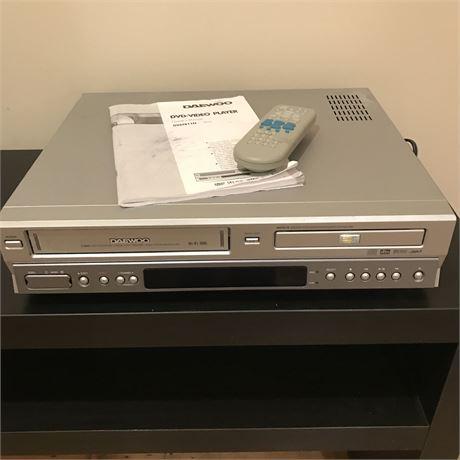 Daewoo 6 Head DVD-VCR Combo DV6T811N