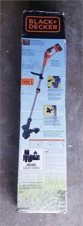 New in Box Black & Decker Cordless 40V Lithium Trimmer/Edger w/battery & Charger