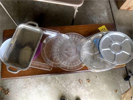 Bag of Plastic Platters/Trays
