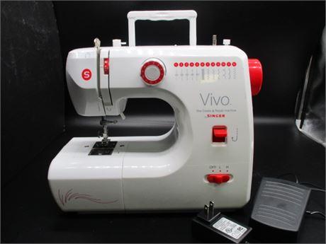 Vivo 1004 Singer Sewing Machine