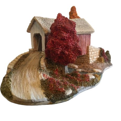Lilliput Lane Landmarks - Covered Memories