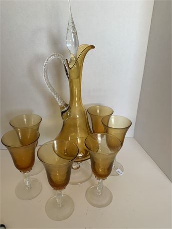 6 Amber white glasses and decanter