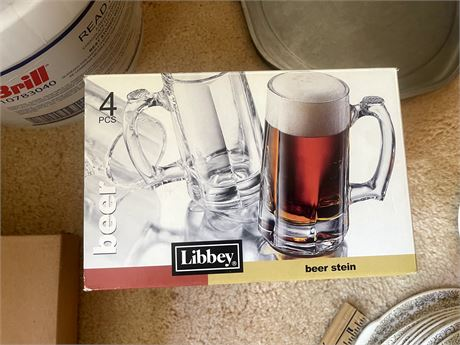 4 glass Libbey Beer Steins