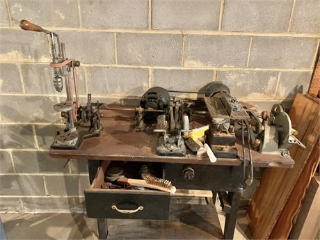 Table top workbench lot