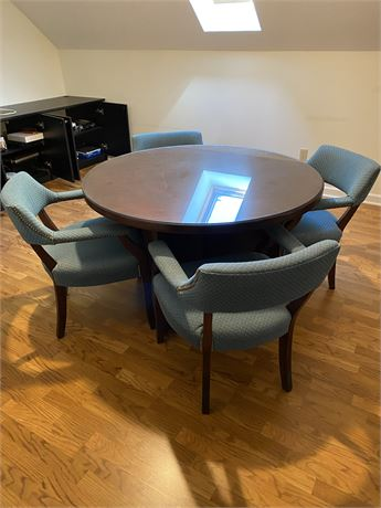 Beautiful Contemporary Cherry Wood Round Conference Table & 4 Chairs