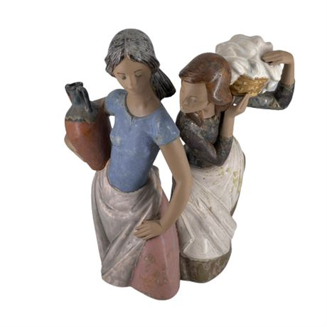 Lladro GRES 'Laundress & Water Carrier' 01012109
