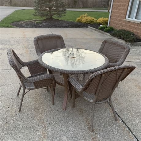 Hampton Bay 4 foot Glass Table and 4 chairs