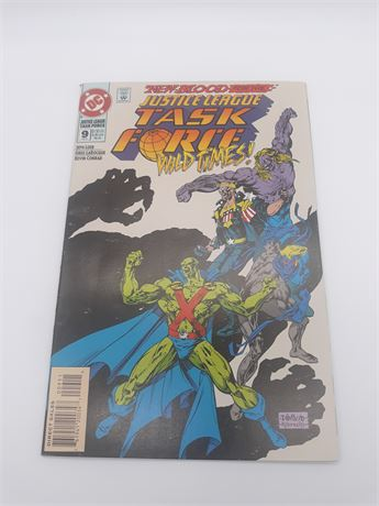 "DC Comics ""Justice League"" #9 Comic"