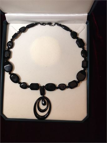 Necklace Black Stones with Black Oval Pendant