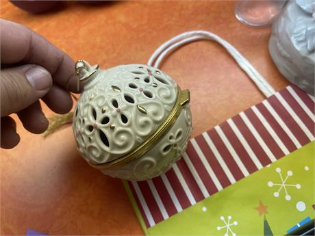 2001 Lenox China Potpourri Ornament