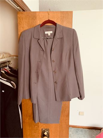 Woman's Pant Suit size small