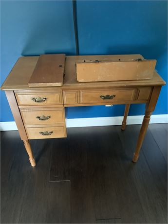 Maple Sewing Machine Table
