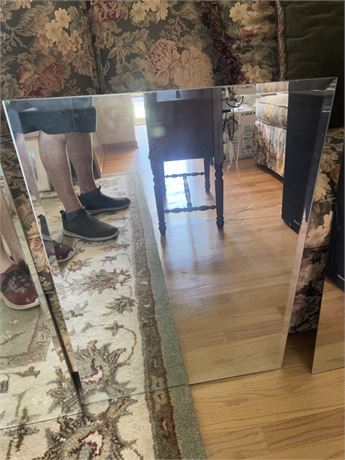 2 mirror lot (28x19.5 and 17.5 x 24)