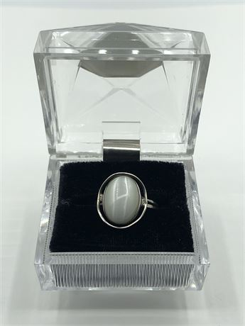 Vintage Sterling Silver Milky Cat's Eye Moonstone Ring Size 8 with Original Box