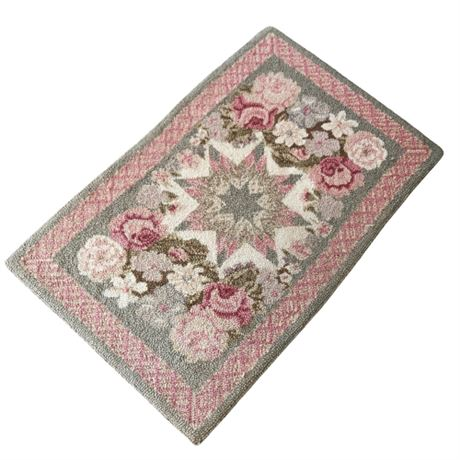 Wool Hooked Accent Rug