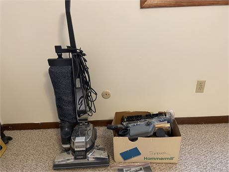 Kirby G4 Vacuum Cleaner with Carpet Shampooer
