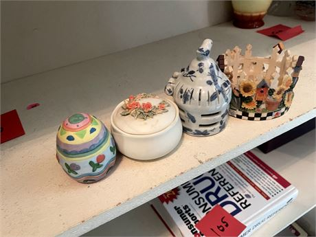 4 Pieces of China/Pottery Decorative Items