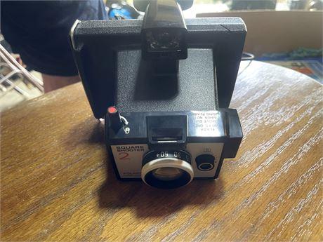 Vintage Polaroid Land Camera Square Shooter 2