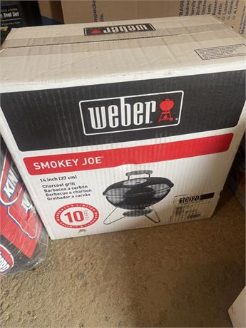 Weber Smokey Joe w/ Charcoal