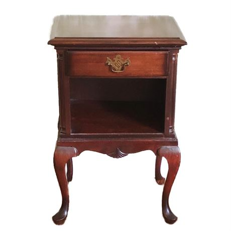 Kling Furniture Queen Anne Mahogany Nightstand