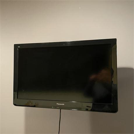 """VIERA® 32"""" Class C3 Series LCD HDTV"""