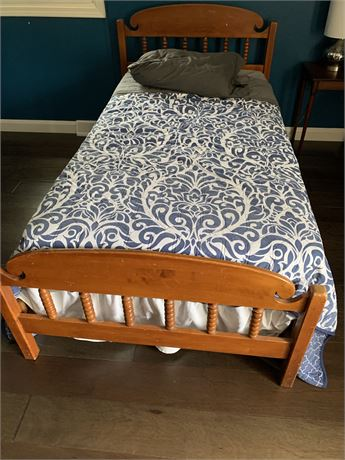 Maple Twin Bed