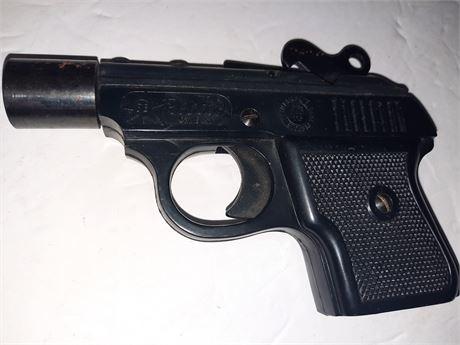 Vintage German signal pistol