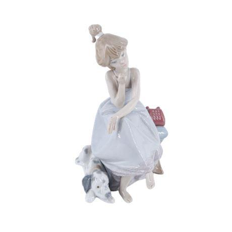 Lladro #5466 'Chit-Chat' Figurine